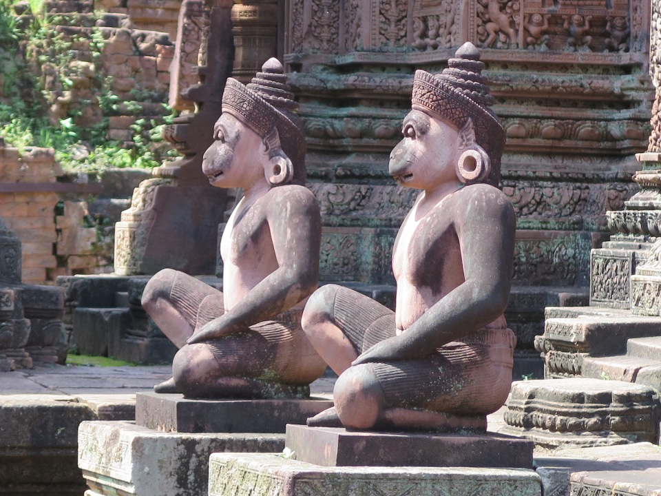 Two Monkey or Va-Nara resembling door keepers